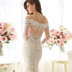 The latest gown styles that debuted at Bridal Fashion Week cater to our wildest big-day fantasies: think princess sleeves, embellishments galore and down-to-there backs. Even the happily-betrothed may find themselves daydreaming about walking down the aisle again after scrolling through this lineup!