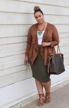 Plus size fashion blogger Rochelle of BeautiCurve