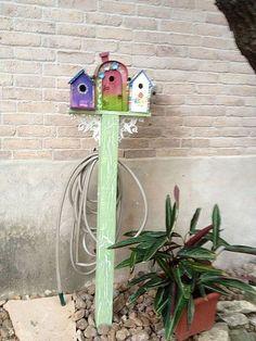 Water hose pole. How cute?!
