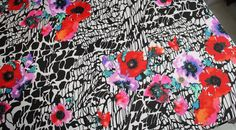 Coupon tissu jersey polyester floral fleur