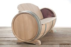 Wine barrel bench made by www.balkenplank.com