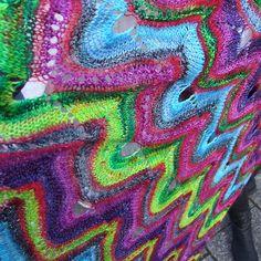 Ravelry: Carnevale di Venezia pattern by Barbara Wolff and Barbara Laumbacher Missoni, Ravelry, Blanket, Knitting, Crochet, Pattern, Tricot, Breien, Patterns
