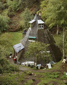 Earthy European Dwellings Go Off the Grid 1