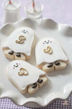 {Video} Easy Ghost Decorated Cookie How-To   Sweetopia