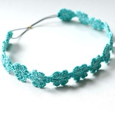 Beautiful crochet headband. Free pattern at: http://www.craftsy.com/project/view/daisy-headband-1/37049?NAVIGATION_PAGE_CONTEXT_ATTR=PROJECT