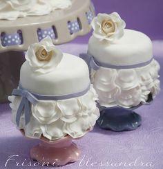 Rose & Ruffles Mini Cakes