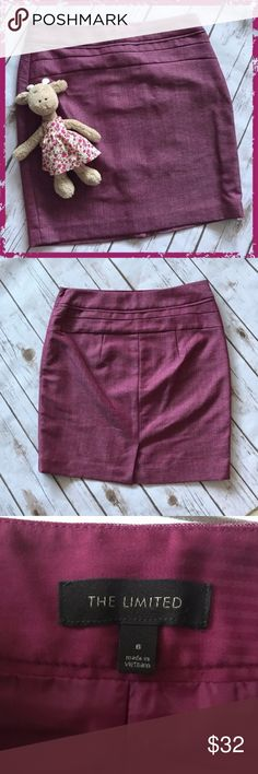 "The Limited Pink Mauve Pencil Skirt Size 6 Fully lined, slit in the back 85% polyester, 17% viscose rayon (100% polyester lining) Measurements: length 18.5"", slit 3.75"" **Please read first 2 comments** The Limited Skirts Pencil"