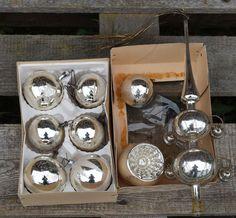 Deko und Accessoires für Weihnachten: Vintage X-Mas Christbaumkugeln und Spitze made by Troedeldoktor via DaWanda.com