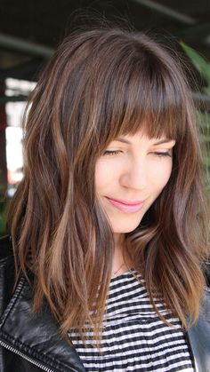 Stumpfe Bob-Frisuren mit Pony im Trend 2019 Dull bob hairstyles with bangs in trend 2019 Haircuts For Frizzy Hair, Long Face Hairstyles, Long Bob Haircuts, Cool Haircuts, Stylish Haircuts, Haircut Long, Hairstyles 2018, Layered Hairstyles, Trendy Hairstyles