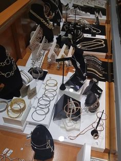 Wow! From $9.99 to 99.99! The perfect 'Just Because' gift! Stop in tonight. #BrianMichaelsJewelers #EveryonesJeweler