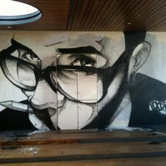 The face of the graffiti artist in a gesture largely unknown.