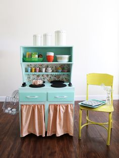 oh my little dears: mini kitchen (Amanda is seriously my inspiration…love her!)