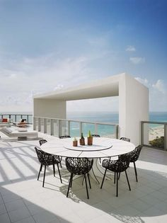 Miami South Beach: W South Beach Miami miami city, miami beach, miami homes, miami style,miami restaurants maison object miami, MOMiami, Find out more inspiring decor ideas: http://www.bocadolobo.com/en/inspiration-and-ideas/