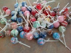 Win 60 Assorted Gourmet Lollipops. That's 4 pounds of golf ball sized lollipops. Contest ends June 29, 2012.