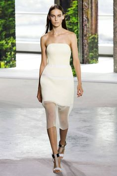 Hugo Boss Spring 2015. See all the top runway looks from New York Fashion Week here. @gtl_clothing #getthelook http://gtl.clothing