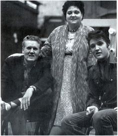 ♪♫♪♪ † Vernon Presley, † Gladys & † Elvis Aaron Presley - Tuesday, January 08, 1935 - Tupelo, Mississippi, U.S. Died; Tuesday, August 16, 1977 (aged 42) Memphis, Tennessee, U.S. Resting place Graceland, Memphis, Tennessee, U.S. Education. L.C. Humes High School Occupation Singer, actor Home town Memphis, Tennessee, USA.