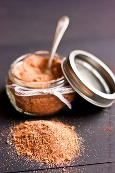 The perfect mix of salty, sweet, spicy, and bitter come together in this Texas BBQ rub. Homemade Barbecue Sauce, Homemade Spices, Homemade Seasonings, Rub Recipes, Grilling Recipes, Cooking Recipes, Barbecue Recipes, Spice Rub, Spice Mixes