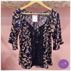 Linda e apaixonante bata floral! O detalhe em renda é um charme a mais! #vemprazas