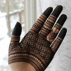 Very Simple Mehndi Designs, Indian Mehndi Designs, Mehndi Designs For Beginners, Modern Mehndi Designs, Mehndi Design Pictures, Mehndi Designs For Girls, Finger Henna Designs, Wedding Mehndi Designs, Mehndi Designs For Fingers