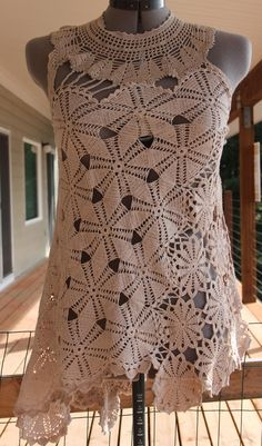 Pineapple Top Freeform Doily Wrap My affair with doilies started the first time I made one. I think it was the lace that first hook...