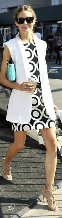 street style Olivia Palermo black and white geometric @wachabuy