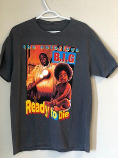 Excited to share the latest addition to my shop: Vintage Biggie Notorious Ready To Die Rap T-Shirt Grey Big Logo Concert Shirt Brooklyn Mint Top Notorious Big Shirt, Looks Hip Hop, Mint Top, 80s Style, Concert Shirts, Looks Style, 80s Fashion, Graphic Tees, Shirt Designs