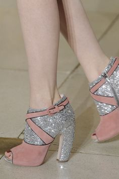 If I wore heels, I'd wear these. As it is, I might need to make a pair for someone who does!