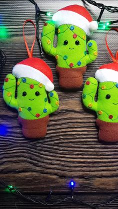 Christmas Decorations Sewing, Sewn Christmas Ornaments, Fabric Christmas Trees, Felt Decorations, Christmas Sewing, Holiday Crafts, Christmas Diy, Mexican Christmas Decorations, Christmas Cactus Care