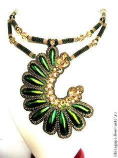 Полет колибри - ярко-зелёный,украшения ручной работы,украшение на шею