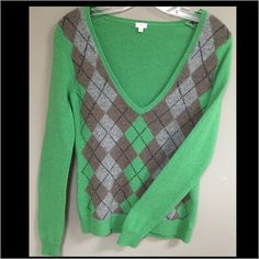 REDUCED J.Crew Green Argyle Sweater Great J.Crew argyle sweater is perfect for cold days. The sweater is 100% lambs wool. J. Crew Sweaters V-Necks