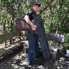 I don't know why everyone is freaking out about Texas Open Carry….I open carry all the time and hardly anyone notices… (at TX Hill Country) Best Concealed Carry, Concealed Carry Holsters, Open Carry, Carry On, Travel Center, Pro Gun, Big Guns, Denial, Firearms