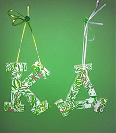 saw these on etsy & I need to order them and get some command hooks and hang them on my dorm door! ♥
