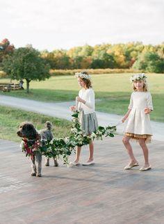 Flower Girls Walking Wedding Dog   #dogs #puppy  http://www.petrashop.com/