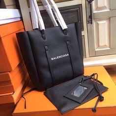 0a6749e2abb Balenciaga EVERYDAY TOTE S. Balenciaga ToteBella VitaLuxury HandbagsLuxury  ...