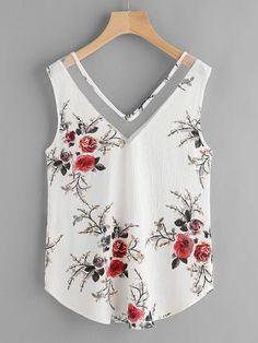 Top de malla con cuello en V con estampado floral