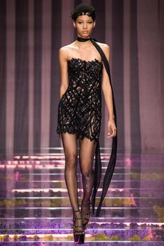 Atelier Versace Fall 2015 Couture Fashion Show - Lineisy Montero (Next)