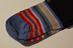 Tantissimi modelli di calze e calzini da uomo. Possono essere indossati al lavoro o nel tempo libero. #amerigovespucci #modena #abbigliamento