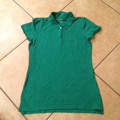 Green shirt Great condition, Green shirt with button collar, great for St. Paddy's Day! Old Navy Tops Tees - Short Sleeve