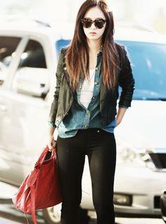 SNSD - Yuri ♡ // Airport Fashion