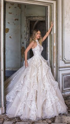WONÁ Wedding Dresses and Evening Gowns 2020 - Belle The Magazine - Brautkleider. WONÁ Wedding Dresses and Evening Gowns 2020 - Belle The Magazine - Brautkleider. WONÁ Wedding Dresses and Evening Gowns 2020 - Belle The Magazine - Brautkleider - Slit Wedding Dress, Top Wedding Dresses, Wedding Dress Accessories, Gorgeous Wedding Dress, Bridal Dresses, Elegant Wedding, Wedding Bride, Magical Wedding, Formal Wedding