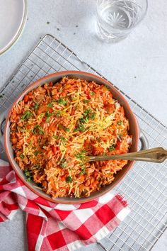 Italian rice dish with balls Ready in 30 minutes! - Tasty and Simple - Italian rice dish with balls Ready in 30 minutes! – Tasty and Simple - Pasta Dishes, Food Dishes, Quick Healthy Meals, Healthy Recipes, Italian Rice Dishes, Confort Food, Couscous Recipes, Good Food, Yummy Food