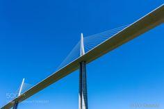 Viaduc de Millau France by olafchristen1