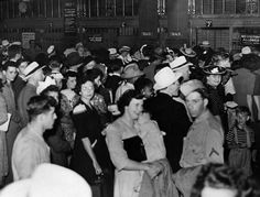 Passengers in line at track gates, July 3, 1943.