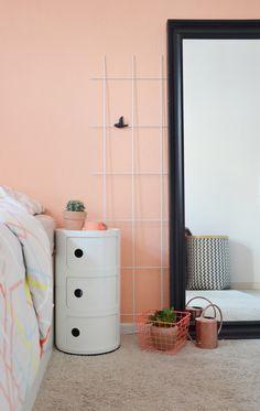 Home Decorating Magazines Usa Paint Colors Bedroom Teen, Room Colors, Peach Rooms, Peach Bedroom, Color Melon, Parents Room, Gold Interior, Interior Paint, Dark Interiors