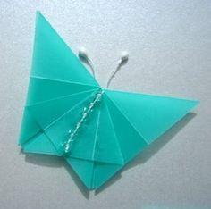 paper butterfly --- Diseño de tarjetas con figuras de origami :: Invitación con mariposas de origami