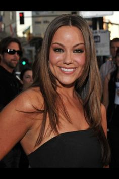 Katie Mixon - wow, she looks totally different without big hair.  either way, she's gorgeous!