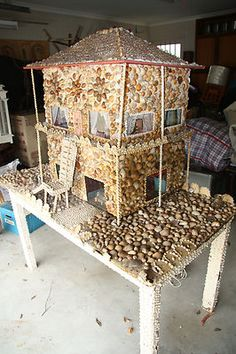 Shell doll house - so kitsch!