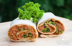 Rezept für Cig Köfte - ein türkisches Gericht, das als Vorspeise oder im Dürüm serviert wird. Vegetarisch zubereitet oder mit Fleisch.
