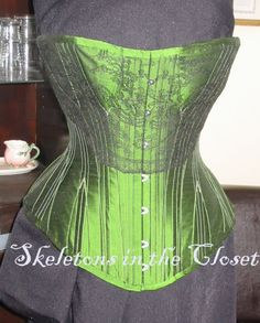 Silk Corset with Chantilly Lace, and multiple boning secures Victorian Fashion, Gothic Fashion, Hobbit Costume, Green Corset, She Walks In Beauty, Layered Fashion, Overbust Corset, Chantilly Lace, Steampunk Clothing