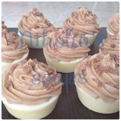 Σαπουνακια cupcakes με γαλα κατσίκας και μελι Cupcakes goat's milk soaps with honey